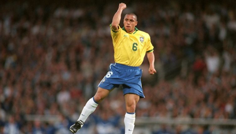 Roberto Carlos Revealed that He Slept With a Teammate Ronaldo More Than His Own Wife. DISCLOSED!!
