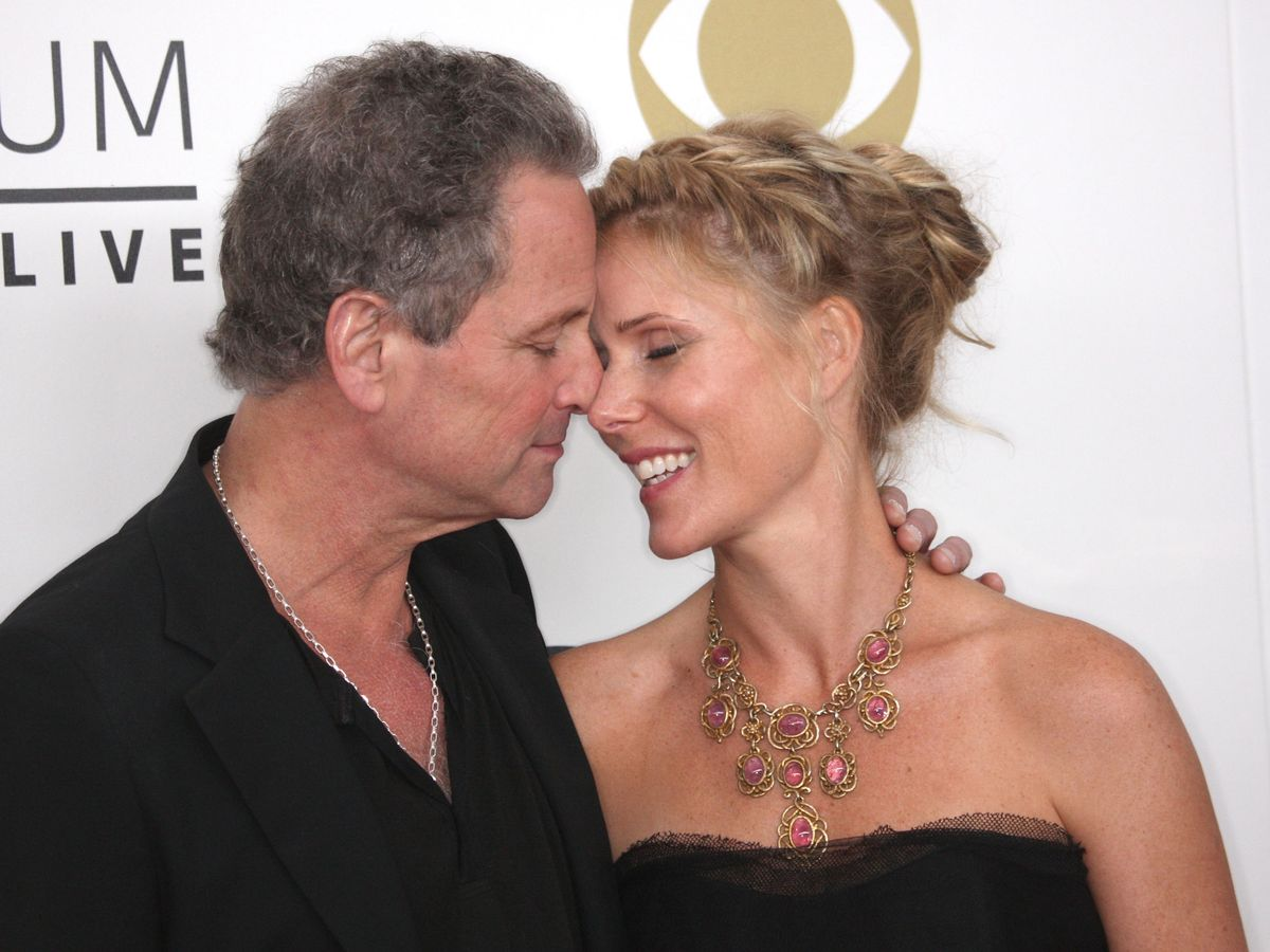 Lindsey Buckingham and his Wife Split up After 21 Years, Amid Affair?