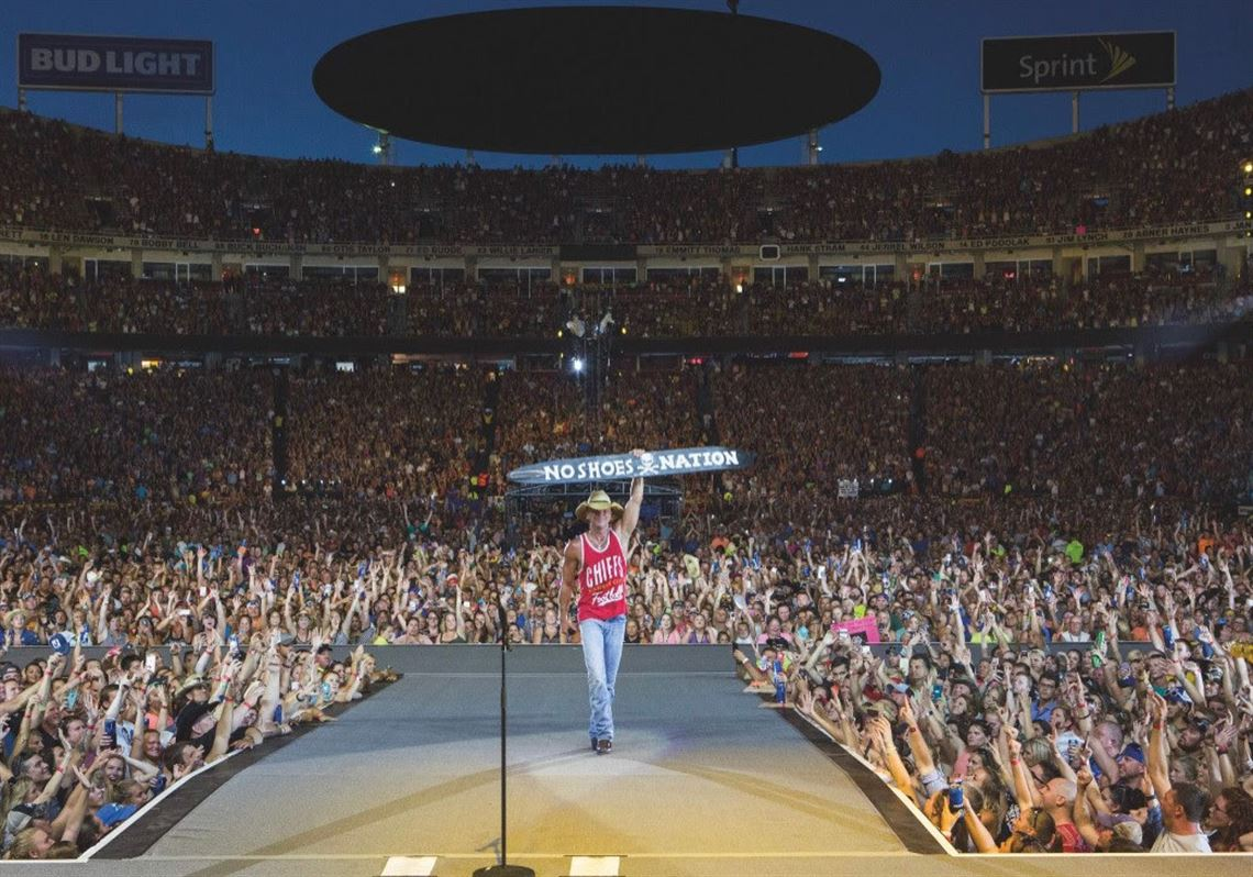 Kenny Chesney Revealed about Tour UPDATE will stop at Heinz Field in June 2022, Know all the details.